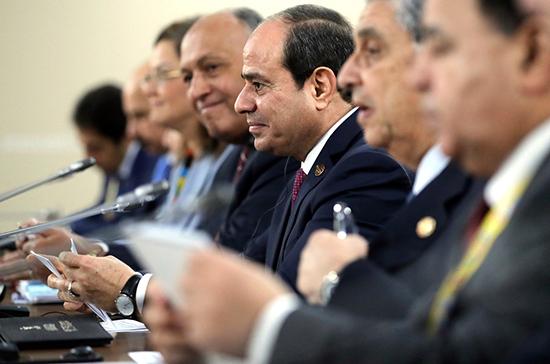 Президент Египта заявил об интересе к сотрудничеству в военной сфере с РФ