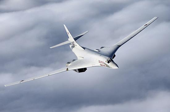 Российские бомбардировщики Ту-160 приземлились на аэродроме в ЮАР