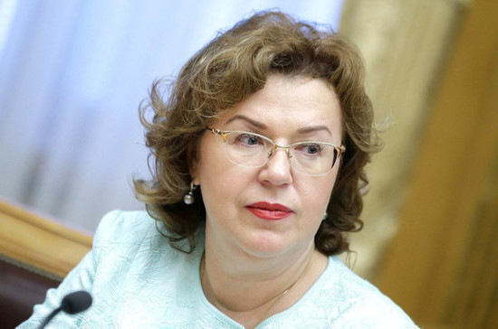 Епифанова отметила важность проекта о горячем питании для школьников