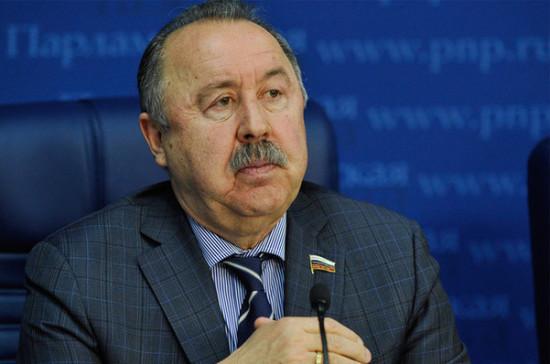 Газзаев приветствовал решение кабмина поддержать проект о продаже пива на стадионах