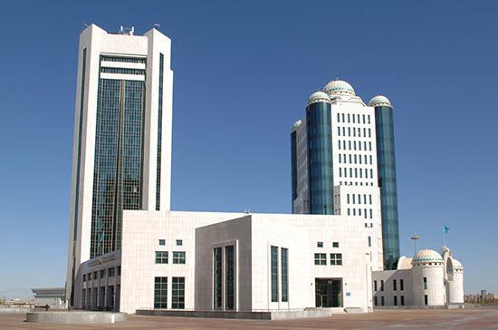 В Казахстане запретили вовлекать детей в несанкционированные акции