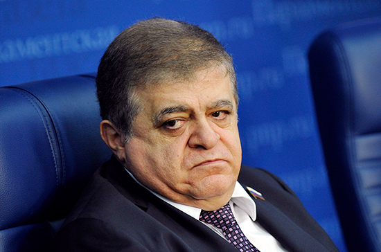 Джабаров: Украина развалится, если Зеленский не покажет себя реальным президентом