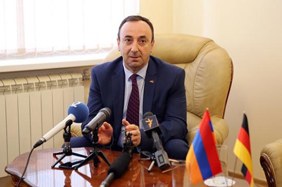 Против главы Конституционного суда Армении завели уголовное дело