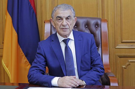 Экс-спикера парламента Армении обвинили в узурпации власти