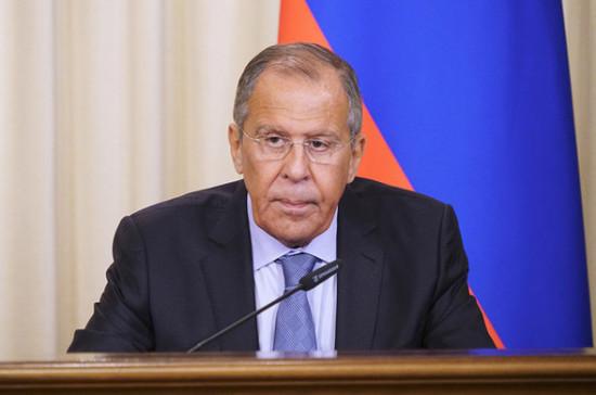 Россия и Китай не планируют создавать военный союз, заявил Лавров