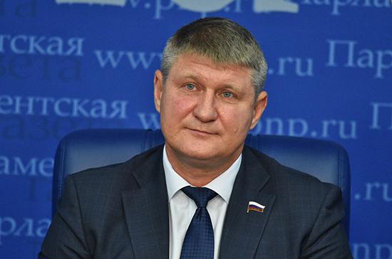 Шеремет считает проверку на знание русского языка приехавших в РФ украинцев и белорусов оскорбительной