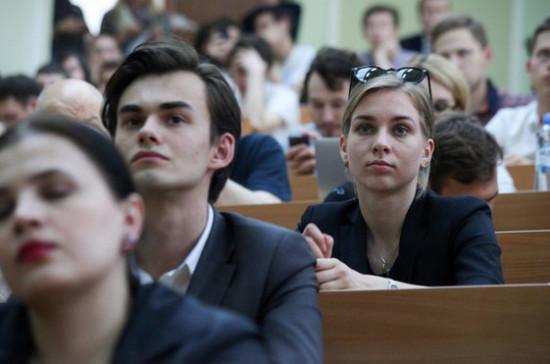 В России сокращается число выпускников вузов — СМИ