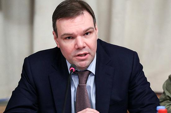Левин предложил обсудить с экспертами инициативу о штрафах для иностранных СМИ