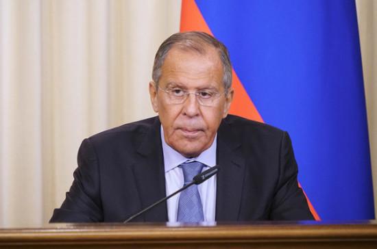 Лавров назвал провокационным условие США для диалога по ДСНВ