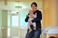 В Госдуму внесли проект об увеличении сроков выплаты пособия по уходу за ребенком