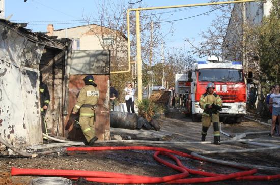 В частном секторе в Севастополе произошёл крупный пожар