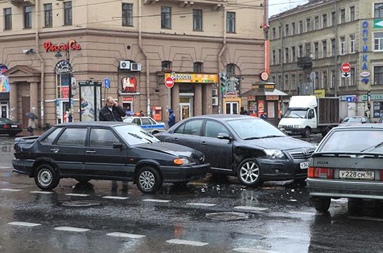 В России число ДТП с участием водителей-иностранцев выросло на 3,8%