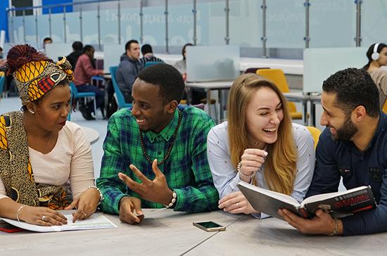 Студенты всего мира отмечают праздник