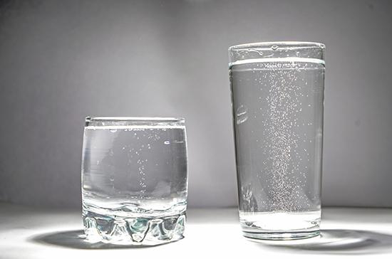 В Роспотребнадзоре предложили маркировать минеральную воду