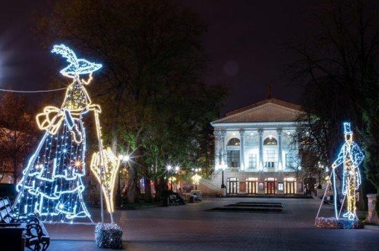 В Севастополе начали подготовку к новогодним праздникам