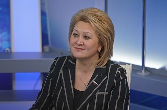 Гумерова оценила авторские проекты на конкурсе «Моя страна — моя Россия»