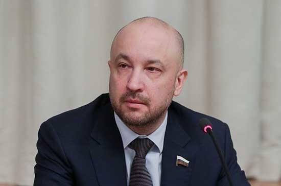 Депутат рассказал о рисках цифровизации для рынка труда