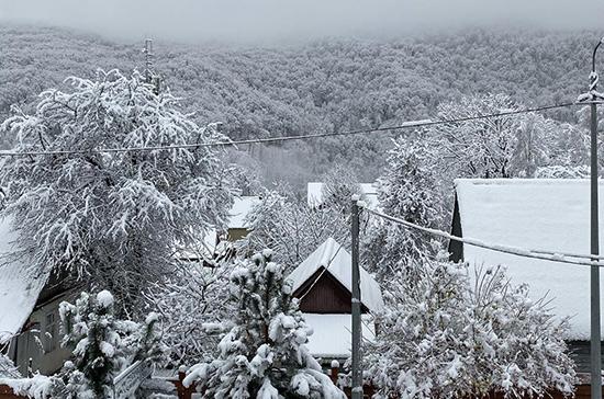 В Сочи объявили экстренное предупреждение из-за снегопада