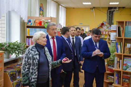 Лукин взял под личный контроль ремонт крупнейшей в Воронеже детской библиотеки