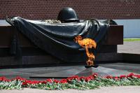 Газпром попросят, чтобы в память о Победе Вечный огонь горел круглый год