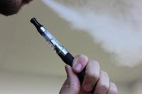 Вейпы предложено уравнять с обычными сигаретами