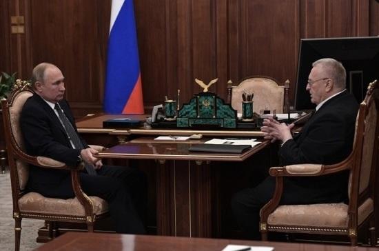 Путин пообещал Жириновскому подумать над снижением налогов