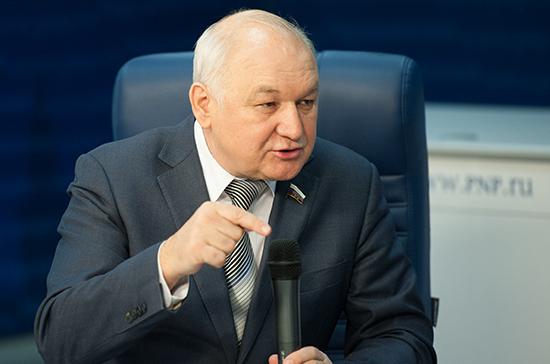 Гильмутдинов предложил закрепить на государственном уровне меры по стимулированию изучения родных языков