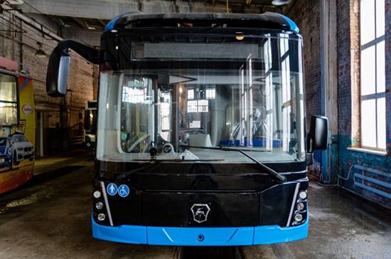 Во Владивосток доставили первый электробус