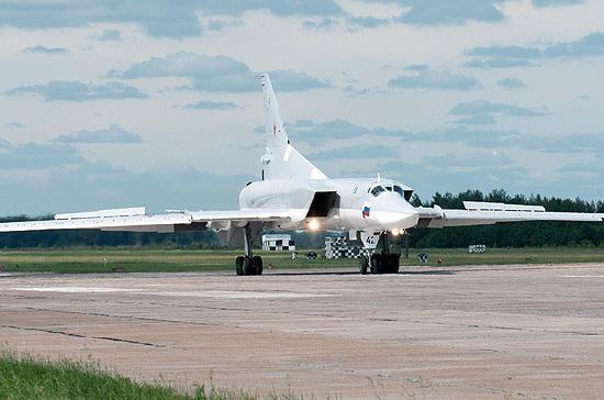 Бомбардировщик Ту-22 совершил аварийную посадку в Астраханской области