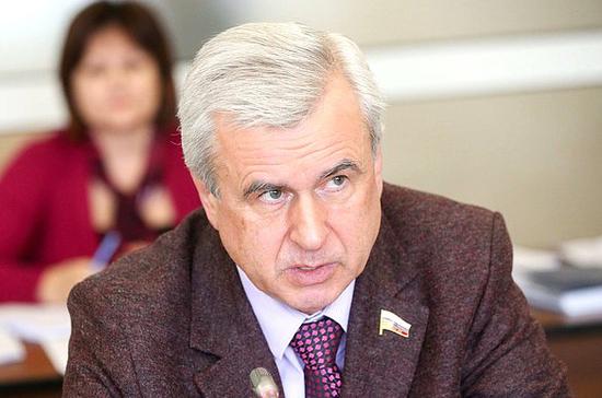 Лысаков прокомментировал новый законопроект о такси