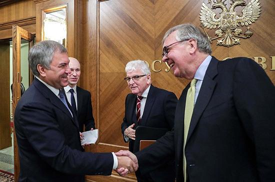 Володин заявил о начале восстановления межпарламентского диалога с Великобританией