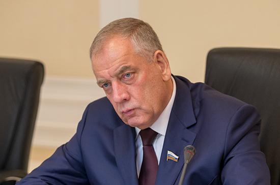 Сенаторы продолжат мониторинг мер по поддержке российских садоводов, сообщил Митин