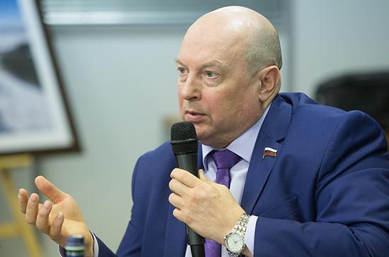 Кобилев предложил создать в России систему постинтернатного сопровождения детей-сирот