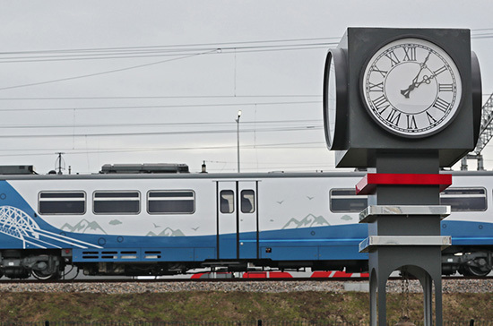 Путин открыл железнодорожное движение по Крымскому мосту
