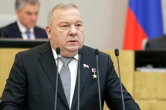 Шаманов назвал наиболее важные для военных законы, принятые в осеннюю сессию Госдумы