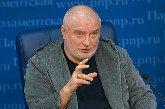 Зарубежные IT-компании не откажутся от продаж в РФ из-за закона о суверенном Интернете, считает Клишас