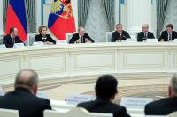 Президент поручил парламентариям подумать о дополнительной поддержке ветеранов