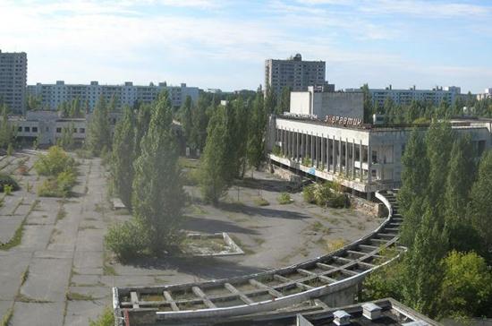 В Припяти впервые после чернобыльской аварии установили новогоднюю ёлку