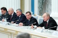 Власти не будут корректировать целевые показатели по нацпроектам, заявил Путин