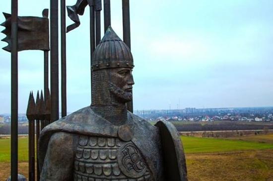 В Пскове завершился первый этап ремонта памятника Александру Невскому