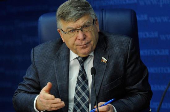 Рязанский рассказал, как в регионах борются с продажей никотиновых леденцов и жвачек