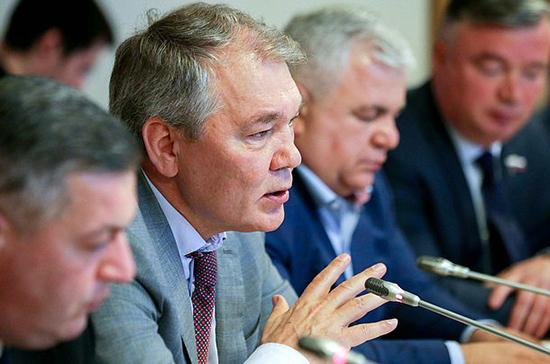 Леонид Калашников: в Абхазии решили в очередной раз проверить президента на прочность