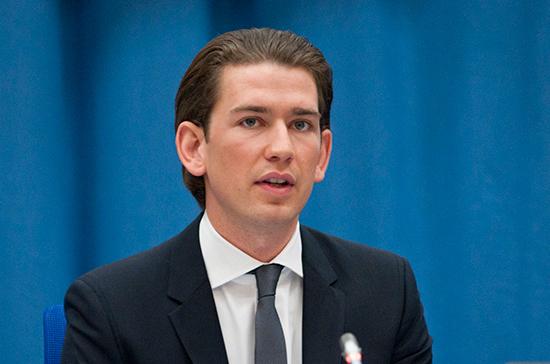 Канцлер Австрии пожаловался на непредсказуемость политики США