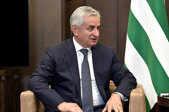 Президент Абхазии отверг просьбу протестующих о его отставке