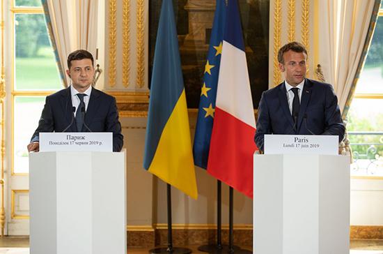 Зеленский и Макрон договорились об участии Франции в расследовании катастрофы Boeing