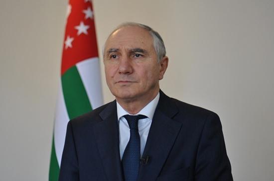 Премьер Абхазии приступил к исполнению обязанностей президента