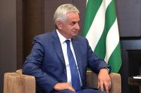 Парламент Абхазии принял отставку Хаджимбы с поста президента республики