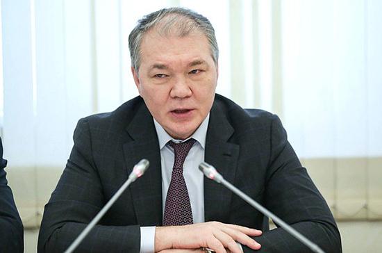 Калашников: президент поддержал идею миграционной амнистии для украинцев