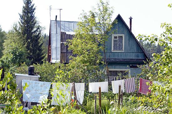 Материнский капитал предлагают использовать при строительстве садовых домиков
