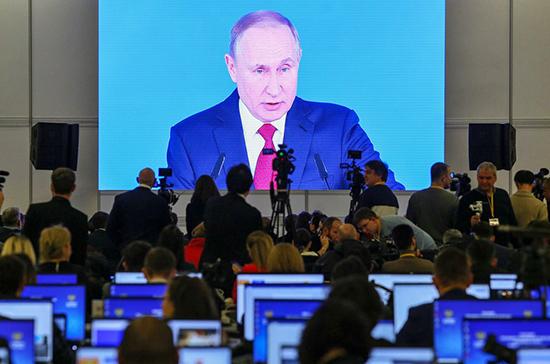 Путин призвал банки активнее включаться в программу льготной ипотеки